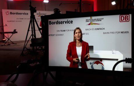 Kathrin Hansmeier auf der Bühne - Blick durch die Kameralinse